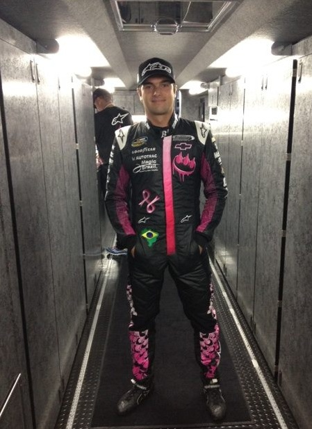 Nelsinho Piquet pronto pra corrida em Talladega (Foto: Divulgação/Twitter)