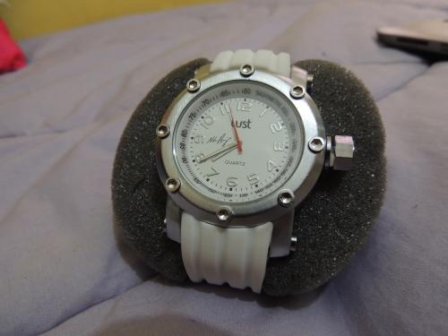 Relógio Lust edição limitada Piquet Jr. - branco