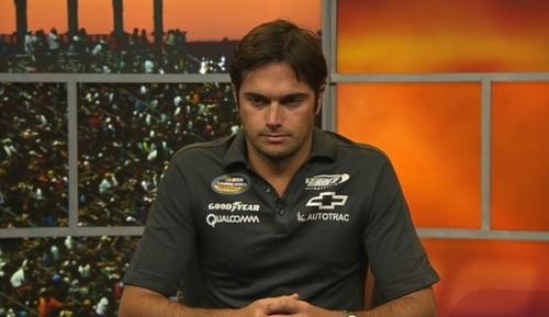 Piquet na video conferência da NASCAR em 2012 usando uma das peças à venda